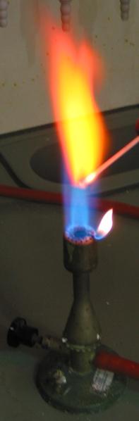 رنگ شعله کلرید استرانسیم